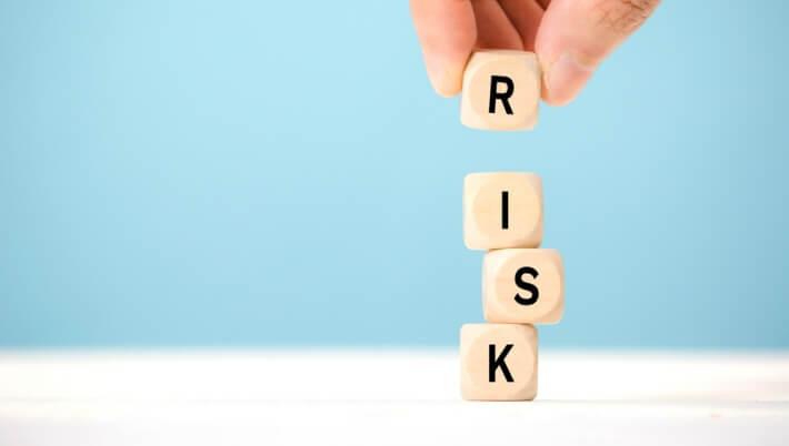 年齢制限が低い業者はリスクが高い